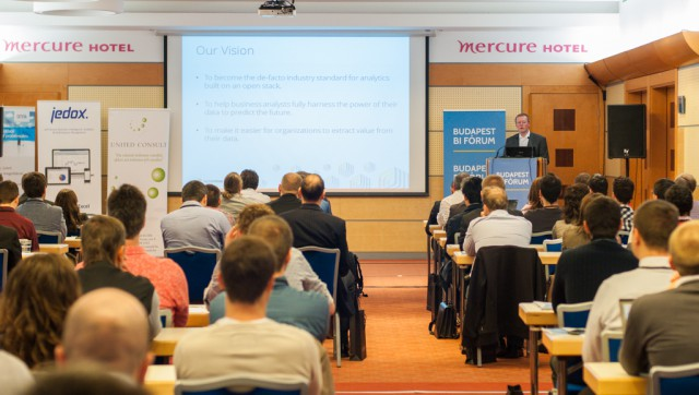 Open source analytic trends World-Wide and at Hungarian Enterprises Ralf Klinkenberg, Rapid-I